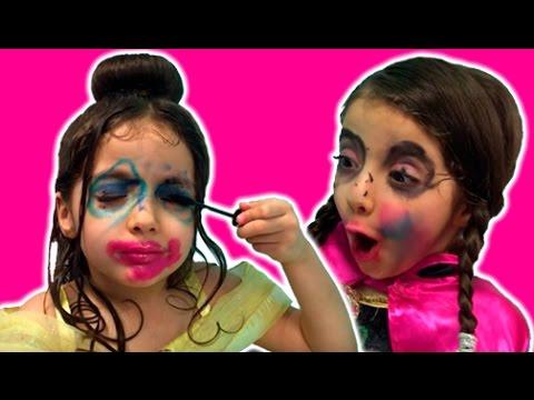 Makeup Challenge Videos – NO MIRROR KIDS BLIND MAKEUP – Disney Frozen Princesses Anna vs Belle!