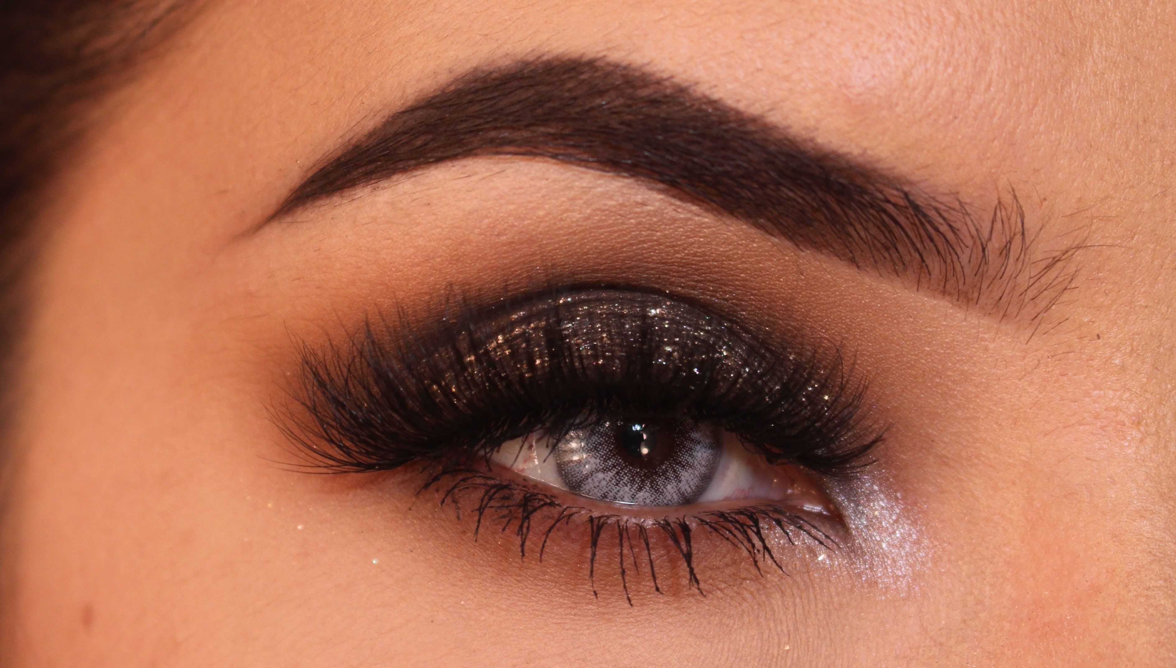 Party Makeup: Brown Smokey Eye With Glitter Tutorial